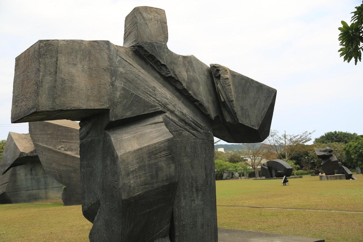 taiwanese tai chi sculpture!